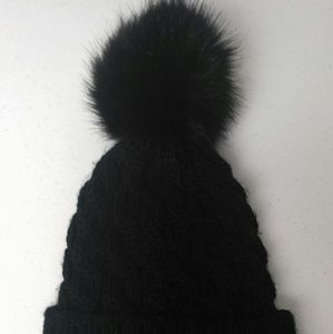 Vera New York black toque faux fur pompom